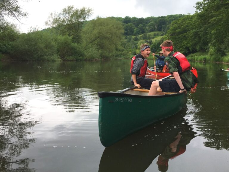 CANOEING OPEN CANOE HIRE WYE VALLEY RIVER WYE HAY ON WYE